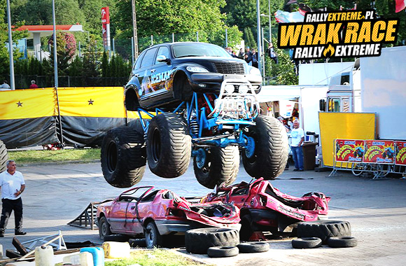 POKAZY MONSTER TRUCKÓW MONSTER TRUCKI MONSTER - WRRE RADOSTOWICE - WRAK RACE RALLY EXTREME 01.08.2015!!
